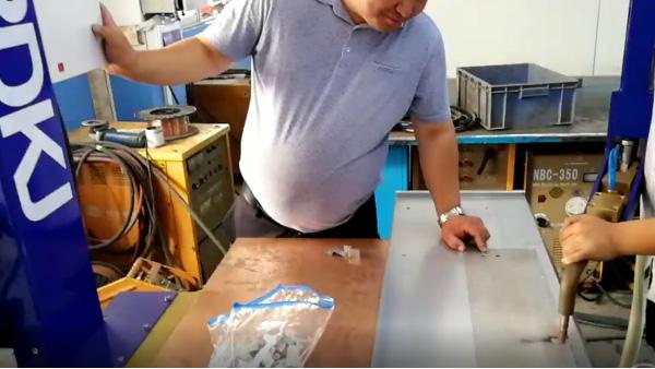 铁板的焊接