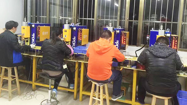 普电台式精密交流点焊机定制案例